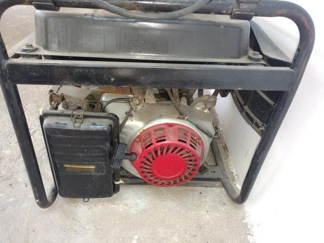 Gerador de energia para som de 4kva a gasolina - Foto 2