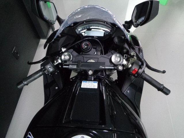 Kawasaki ZX-10R Preta 2020 - Foto 10
