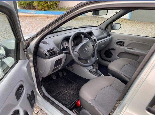 Clio Sedan Authentique 1.0 16 válvulas - Foto 5