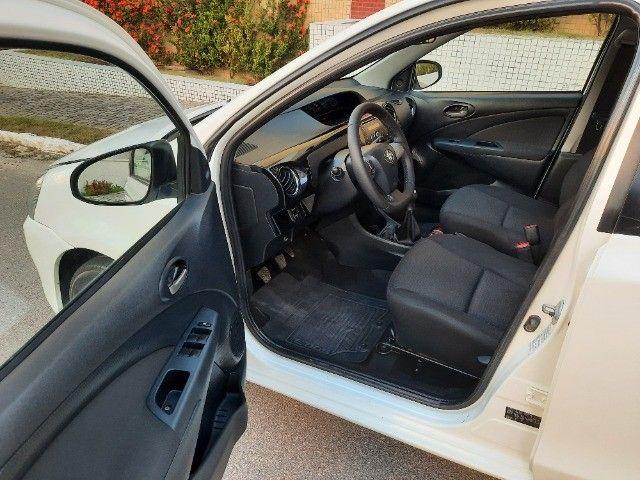 Etios Sedan XLS 1.5 2014 - Foto 11