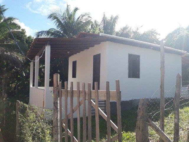 Alugo casa com varandas e quintal