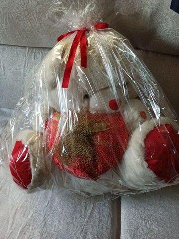 Urso de pelúcia semi novo lindo para presentear - Foto 4