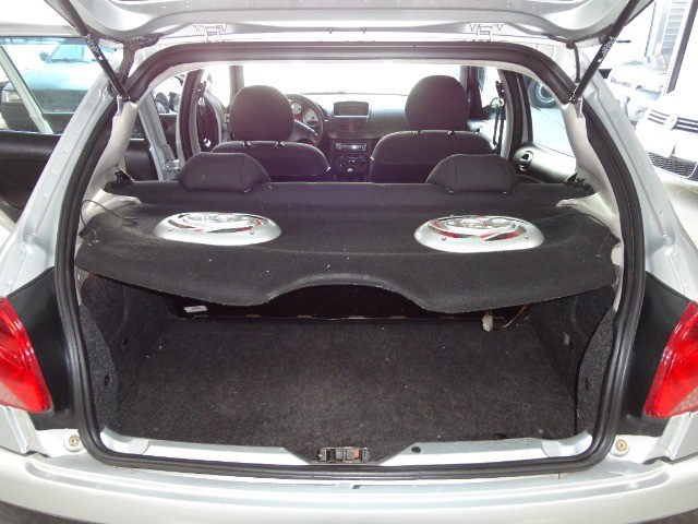 Peugeot  207 XR Sport 1.4 * Flex* Ar Condic.* Dir. Hidr. * Cj. Eletrico* Rodas - Foto 13