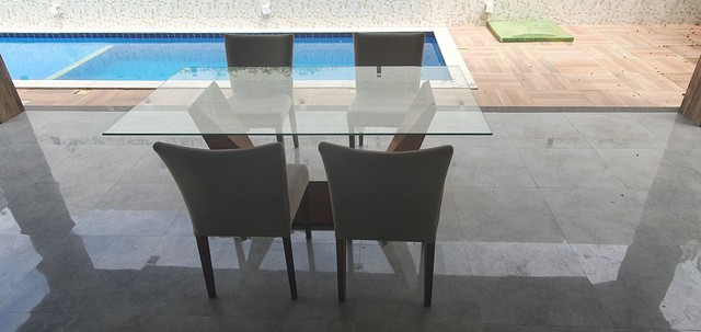 Mesa com 4 poltronas super luxo