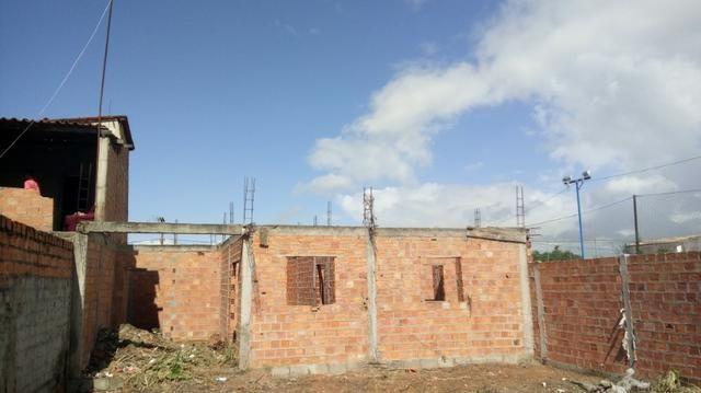 Casa em ponto de laje (Preço de Terreno)