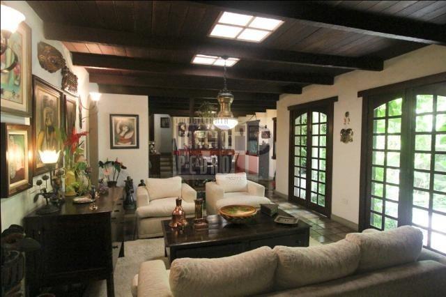 [A807] Casa com 5 quartos, sala para 4 ambientes, 361 m² de área construída - Foto 17
