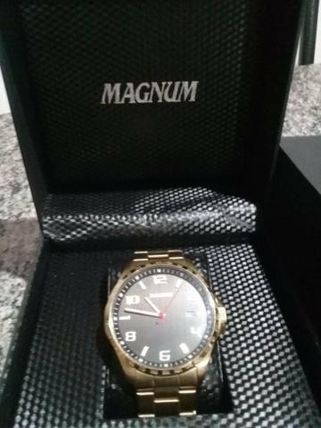 b3053bfb65d Relógio Magnum novo usado uma vez só. venda ou troca - Bijouterias ...