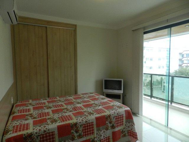 Apartamento de 4 dormitórios( 1 suíte com terraço ), mobiliado, com 2 vagas de garagem - Foto 13