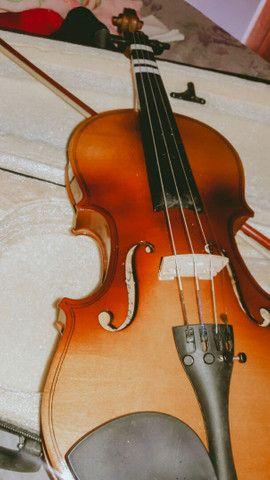 Violino novo, poucas vezes de uso