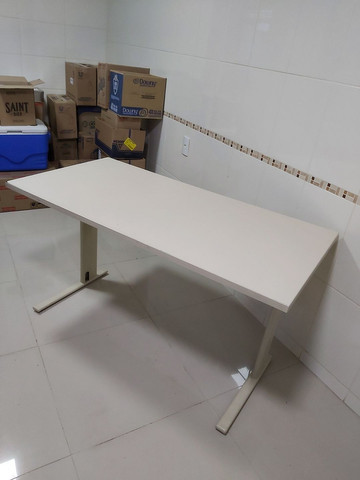 Vendo mesa de escritório escrivaninha  - Foto 3