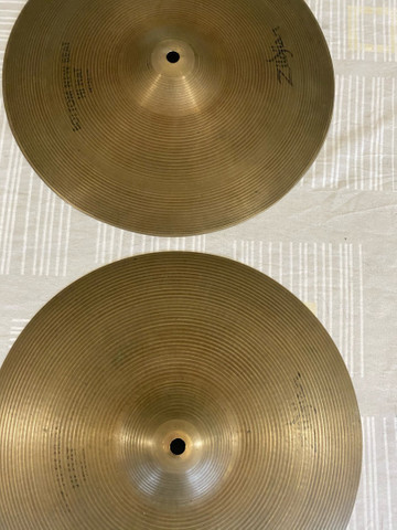 Hi Hat New Beat Zildjian 14 polegadas