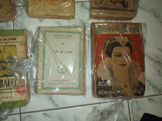 Lote de livros antigo