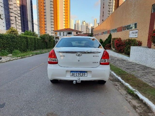 Etios Sedan XLS 1.5 2014 - Foto 4