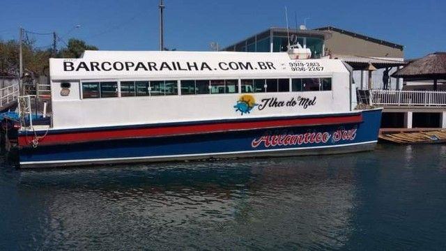 Barco catamarã a venda