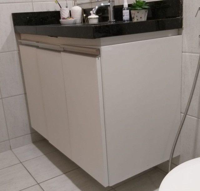 armários para banheiro mdf branco c/puxadores de alumínio - Foto 3