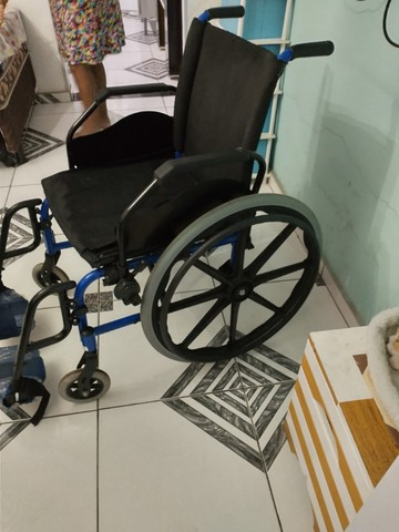 Cadeira de roda - Foto 5