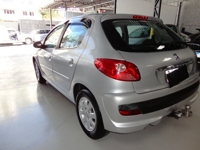 Peugeot  207 XR Sport 1.4 * Flex* Ar Condic.* Dir. Hidr. * Cj. Eletrico* Rodas - Foto 3
