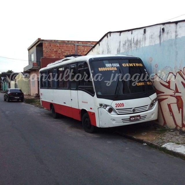 Vendo Micro ônibus no ponto de transferência!