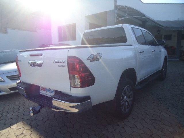 Toyota hilux caminhonete 2.8 srx 4x4 diesel cabine dupla automático 2018 - Foto 6