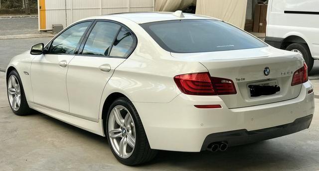 BMW 528i 52 mil km único Dono kit M - Foto 14