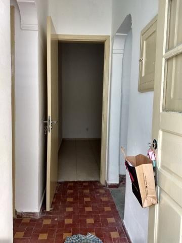 Casa baixa com 1 dormitório com gar. Rua Frei Gaspar, Sao Vicente-SP