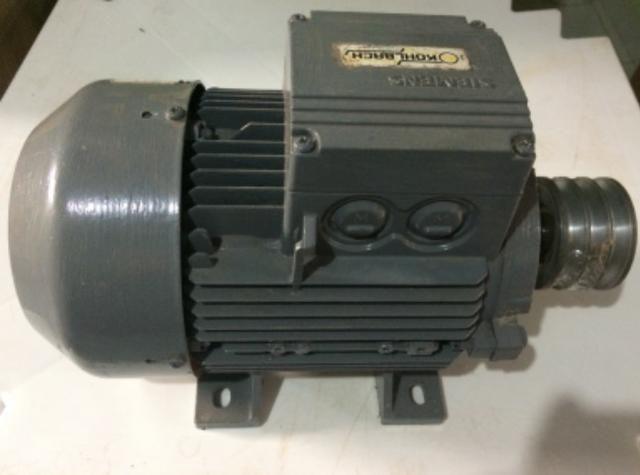 Motor elétrico trifásico Siemens