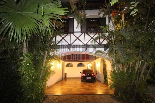 [A807] Casa com 5 quartos, sala para 4 ambientes, 361 m² de área construída - Foto 6