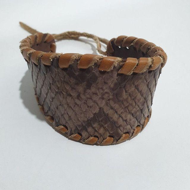 Pulseira Bracelete couro python artesanato hippie