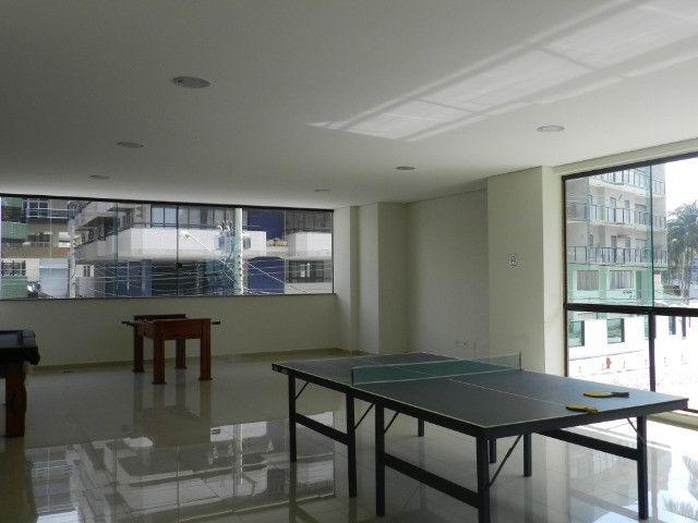 Apartamento de 4 dormitórios( 1 suíte com terraço ), mobiliado, com 2 vagas de garagem - Foto 4