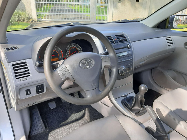Toyota Corolla 1.8 GLI 2011 manual - Foto 13