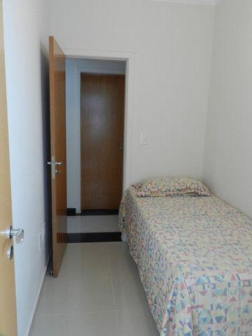 Apartamento de 4 dormitórios( 1 suíte com terraço ), mobiliado, com 2 vagas de garagem - Foto 12