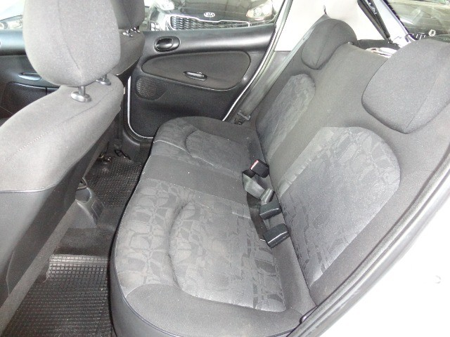 Peugeot  207 XR Sport 1.4 * Flex* Ar Condic.* Dir. Hidr. * Cj. Eletrico* Rodas - Foto 8