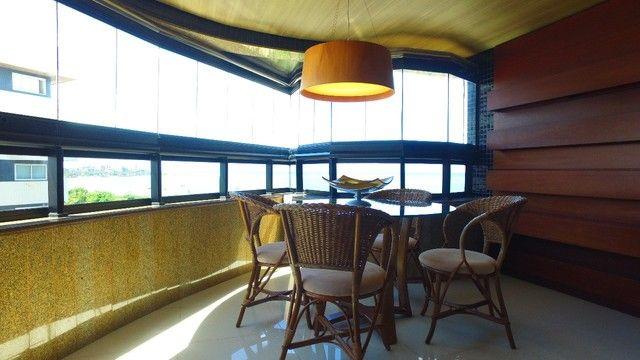 Apartamento beira mar com 195 metros quadrados com 4 suítes em Pajuçara - Maceió - AL
