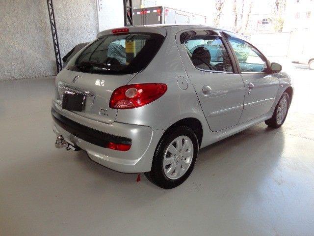 Peugeot  207 XR Sport 1.4 * Flex* Ar Condic.* Dir. Hidr. * Cj. Eletrico* Rodas - Foto 2
