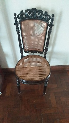 Cadeiras antigas austríacas