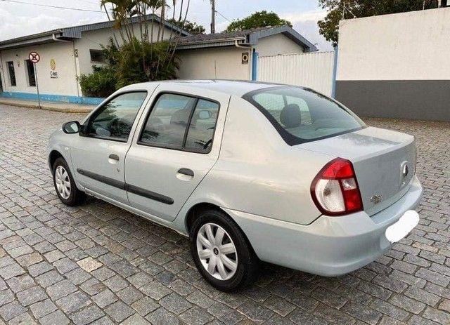Clio Sedan Authentique 1.0 16 válvulas - Foto 3