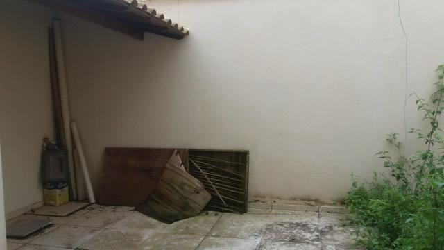 Linda casa no Vale das palmeiras composta de 3 suítes e amplo Quintal 94e343db38