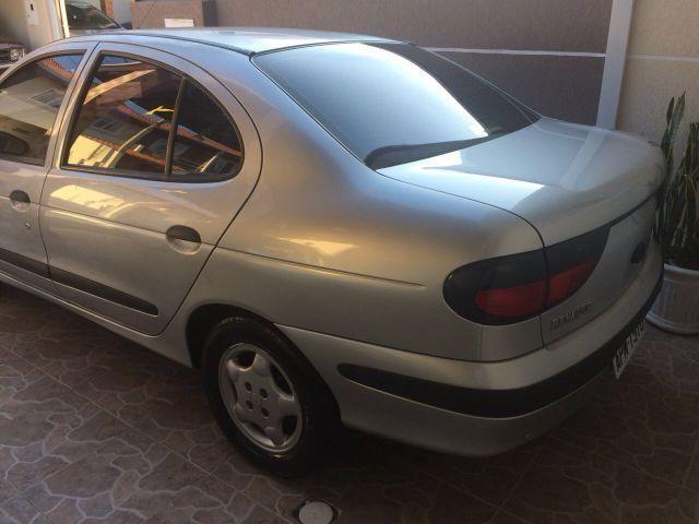 Renault Megane 2.0 8V