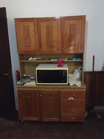 Armário 5 portas 4 gavetas