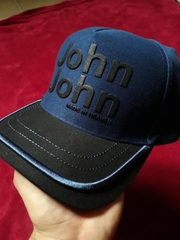 Bonés CK e JOHN JOHN - Bijouterias da84eb26282