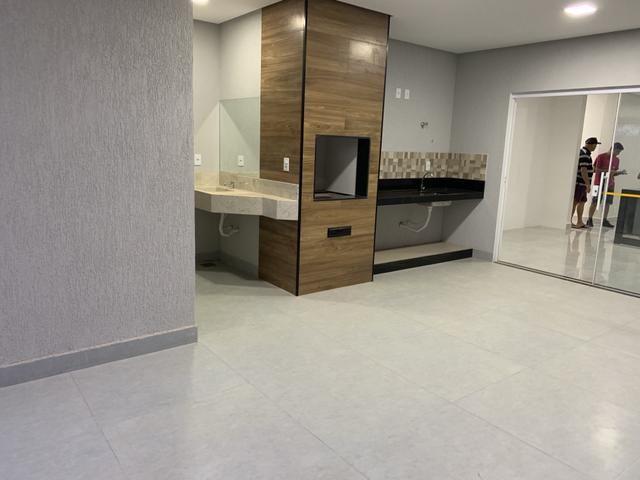 Jander Bons Negócios vende casa de 3 suítes no CABV, aceita financiamento - Foto 3