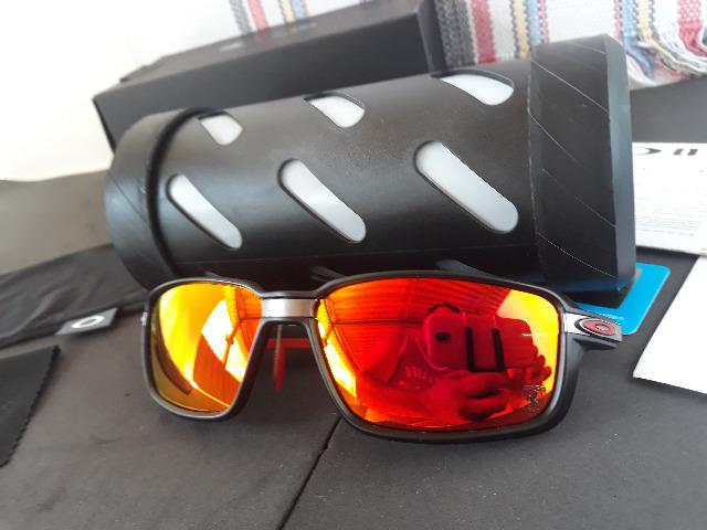 92d67e522 Óculos Oakley Carbon Prime Scuderia Ferrari Preto/Vermelho - Novo e  Importado