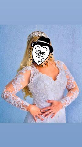 Vestido de noiva maravilhoso, acompanha coroa !!! - Foto 2