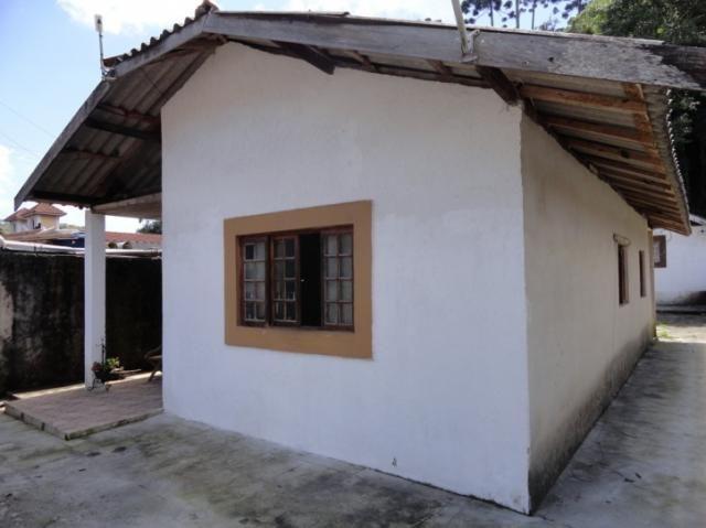 B. Floresta Negra -  Casa em alvenaria + Casa secundária