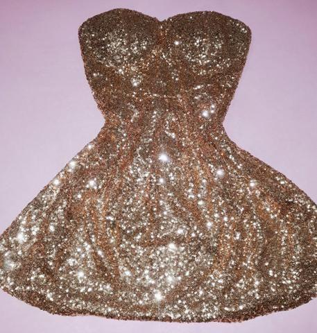 Vestido lindo paetê dourado - Foto 2