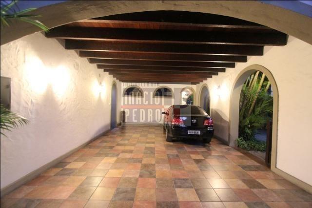 [A807] Casa com 5 quartos, sala para 4 ambientes, 361 m² de área construída - Foto 11