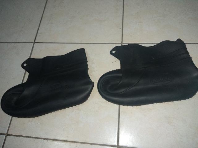 7521e984c7c Capa de chuva para calçado.( nao precisa tirar o calçado). tamanho M