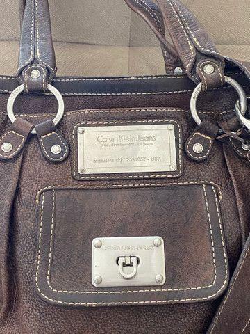 Bolsa em couro legítimo Calvin Klein - Foto 2