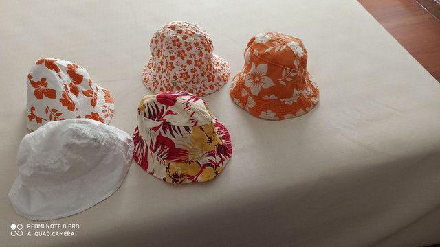 Chapéus de praia,semi novos,em perfeito estado