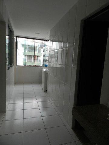 Apartamento de 4 dormitórios( 1 suíte com terraço ), mobiliado, com 2 vagas de garagem - Foto 15